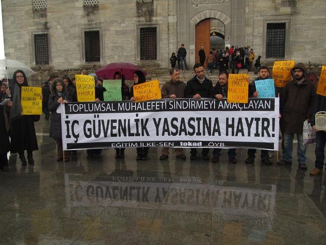 2014_0315_istanbul-ic-guvenlik-protesto